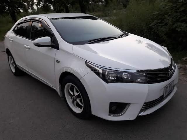 Toyota Corolla 2015 available for monthly or day baisis rental